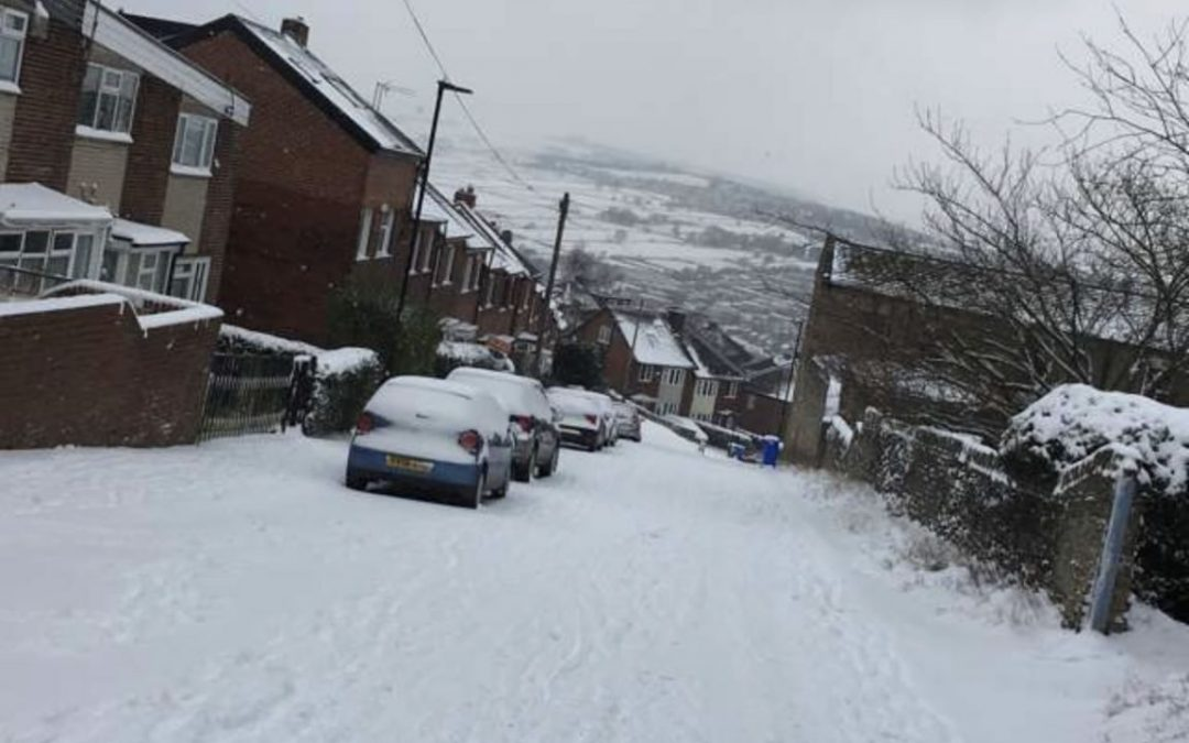 Snow causes disruption in Sheffield