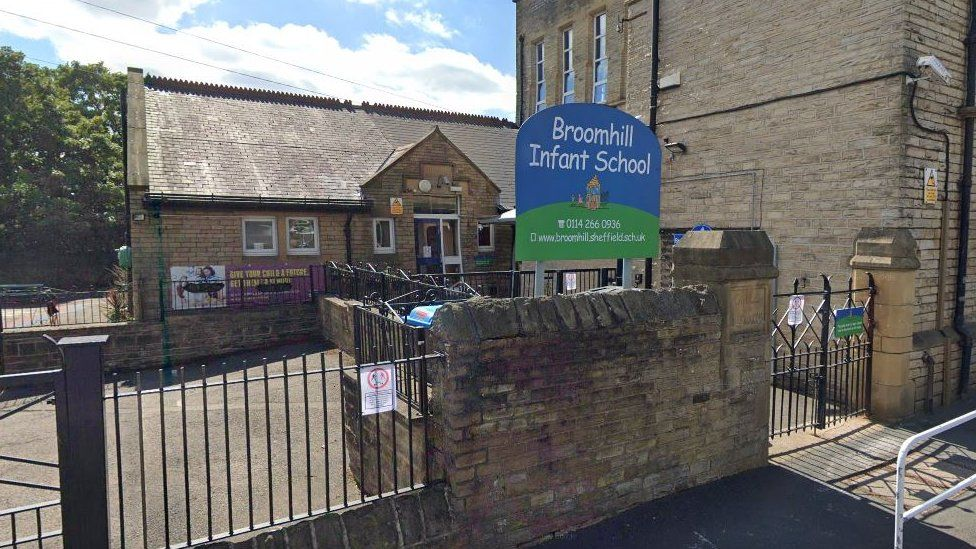 Broomhill school apologises for arranging visit from a hairdresser